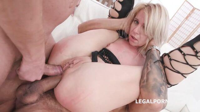 групповое анальное порно с блондинкой