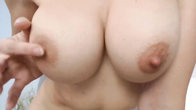 любительское домашнее порно с большегрудой брюнеткой