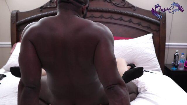Дикий секс толстушки с черным парнем