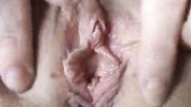 Видео девственной плевы крупным планом
