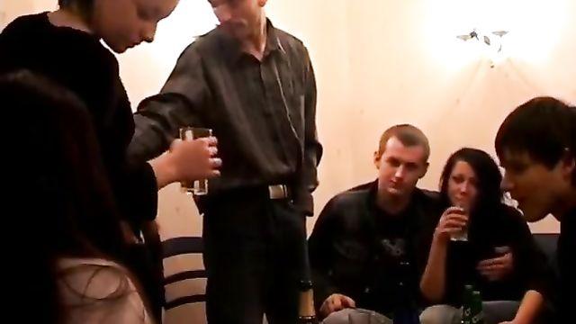 Тугие русские студенты трахнуты на хате