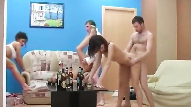 Русские студенты напились и весело потрахались