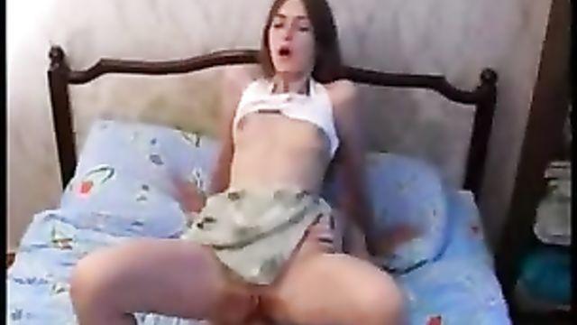 Домашнее русское частное порно в анал молодой парочки