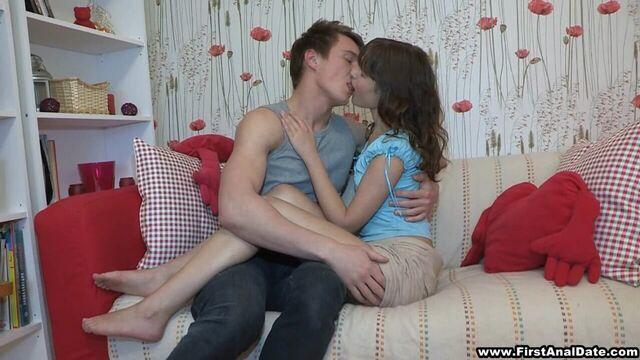 анальный секс в первый раз очень больно смотреть онлайн