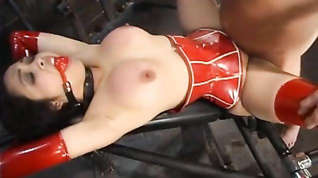 Моя азиатская рабыня