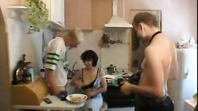Как снимается порно (За кулисами, жизнь за кадром) - фильм 7