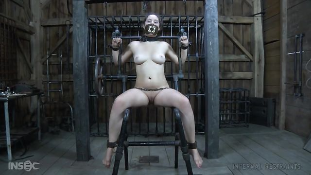 Порно фильм об садо мазо издевательствах БДСМ: Сексуально озабоченные