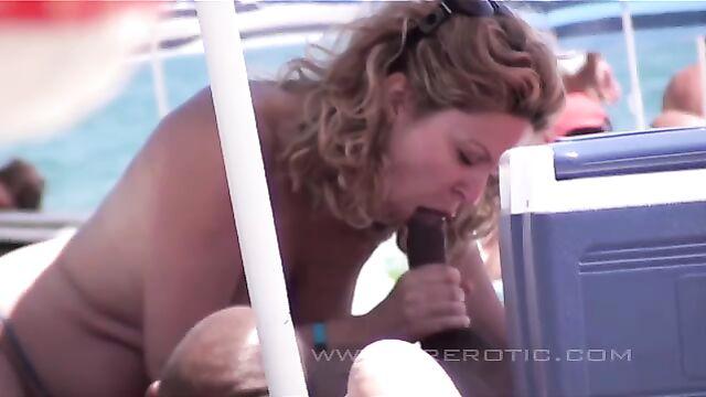 Групповые порно оргии нудистов на пляже: Секс в дюнах 1