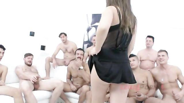 Генг-бенг порно: 10 больших членов трахают Алину