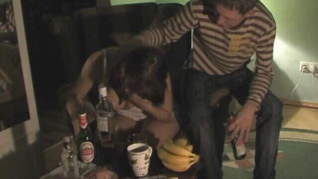 Напоил русскую деваху и трахнул пьяную куда захотел