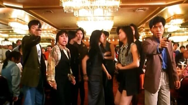 Фильм для взрослых со смыслом: Изнасилованная ангелом (1993)