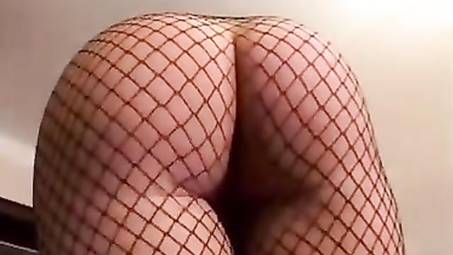 Порно фильм Кончи мне в жопу, а не в рот 2 часть 1