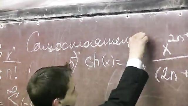 Молодые русские студенты на секс уроке