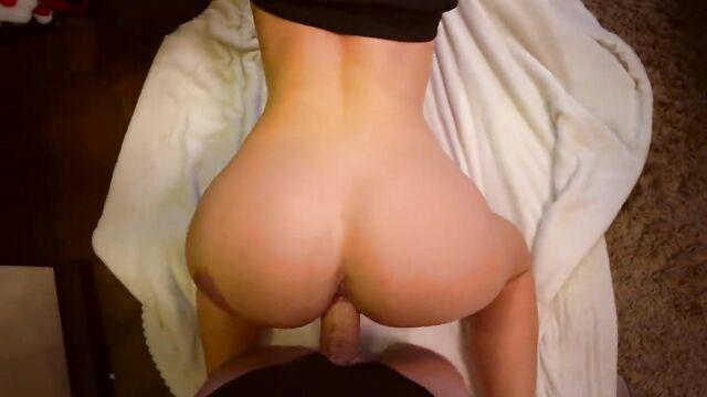 Домашнее любительское новогоднее порно видео