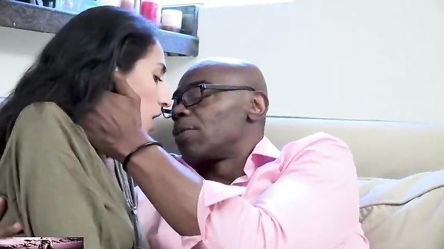 Жена устроила мужу совместный секс со своим любовником