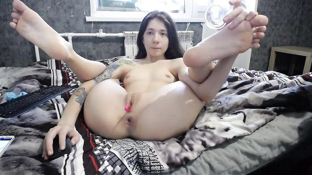 Sexy_B0rsch: Тащусь от вибратора во влагалище и члена в попке
