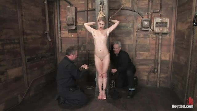 БДСМ и Садо Мазо порно: Худуб блондинку разопяли
