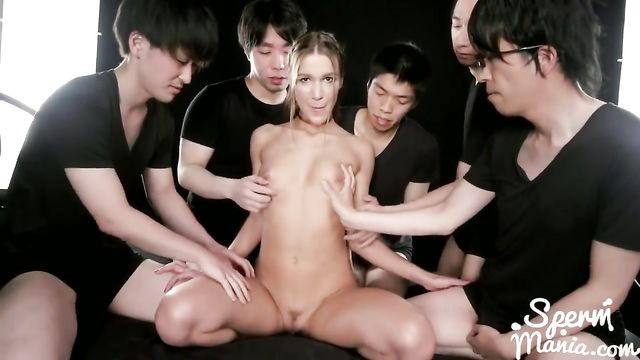 Европейскую порно звезду отмусолили 5 азиатов