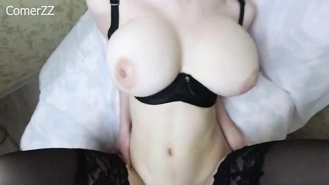Домашнее порно: Секс с молодой сисястой стервой