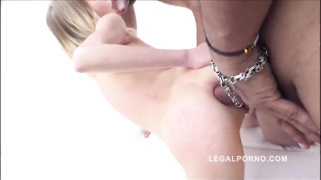 Подборка секса с худыми девушками, которых прут в анал