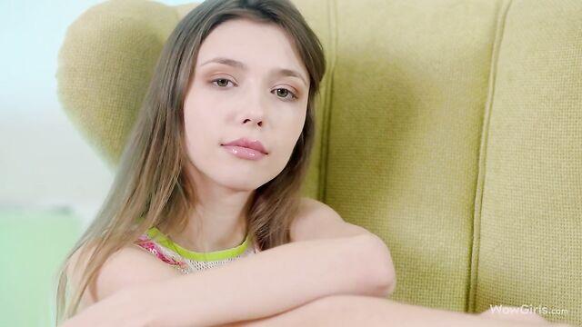 Любительское домашнее частное видео от русской девушки