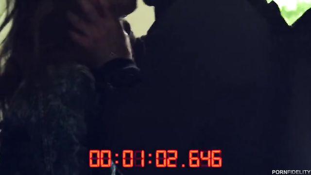 Пол часа реально жесткого секса с худой Riley Reid
