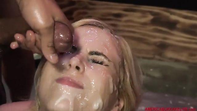 18 парней спермой заливают лицо американской блондинки