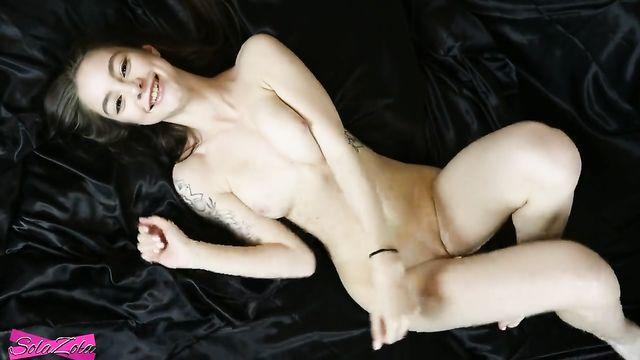 Куколка съела всю сперму после домашнего любительского секса