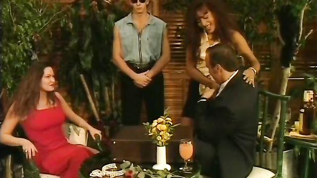 Порно фильм Погоня (Побег) / Private Gold 3: The Chase [1996] с русским переводом