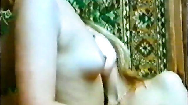 Порно фильмы: Похотливые ангелочки (Сергей Логинов, Клубничка) VHSRip
