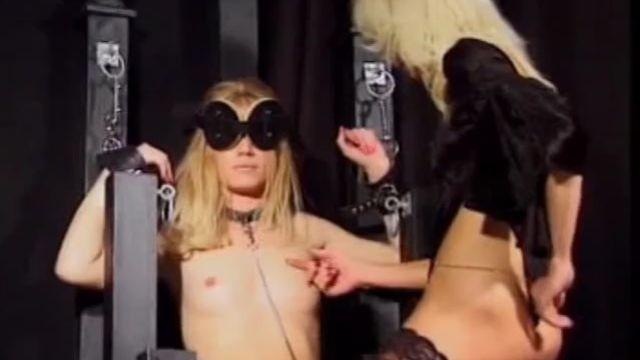 Порно фильм Сладкое древнее ремесло или Связанные милашки в клетке