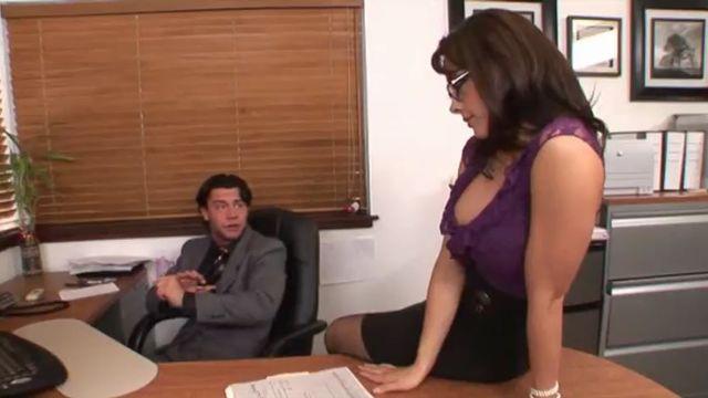 День секретарей 5 / Secretary's Day 5 (порно фильм с русским переводом)
