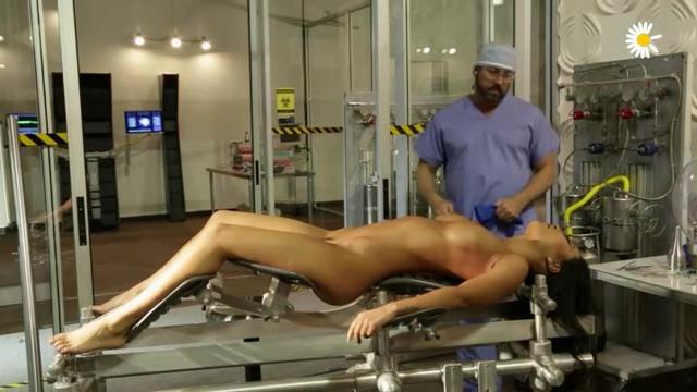 Сексботы: Запрограммированы Для Удовольствия (порно фильм с русским переводом)