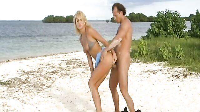 Остров Грехов / Sin Island (2004) - порно фильм для взрослых с переводом!