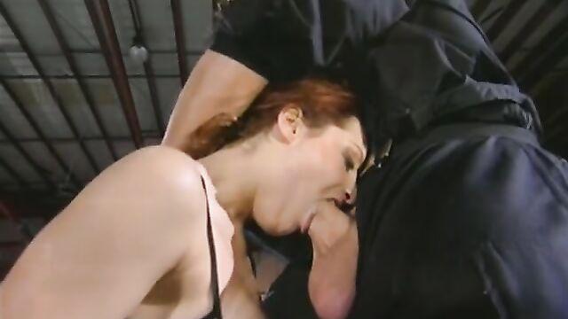 Порно фильмы с переводом: Быстрые Толчки X Professionals (2001)