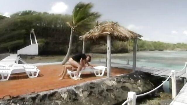 Свадебное путешествие / Private Tropical 09 - Coral Honeymoon (2004) c русским переводом